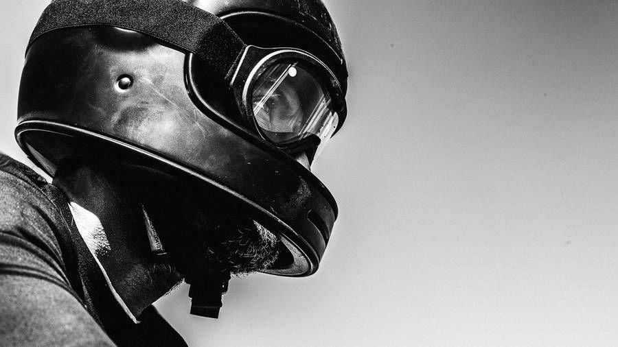 Thoughtful Motorbike Journey in the Footsteps of Former European Nomadics – Fubiz Media