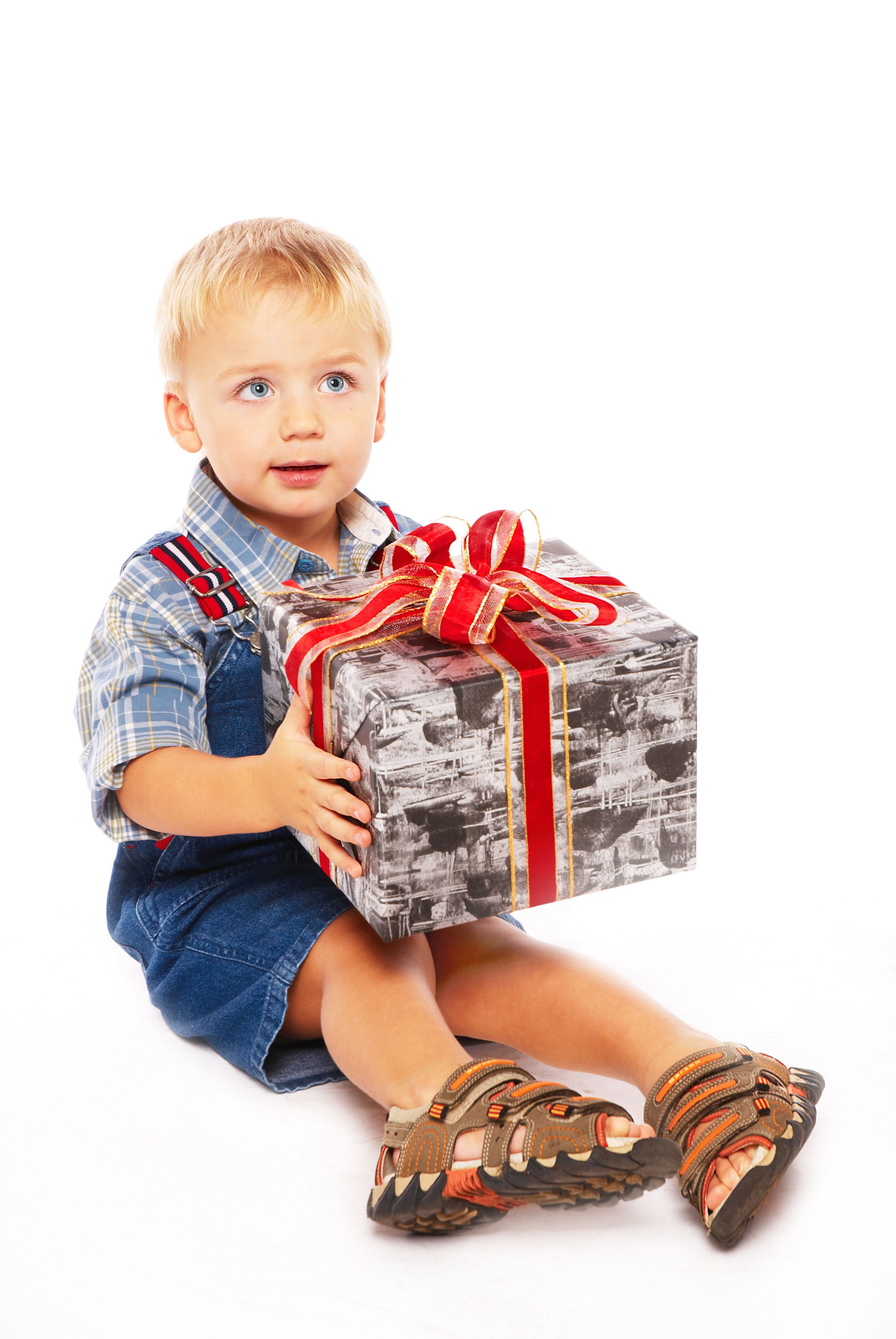 Best Birthday and Christmas Gift Ideas for a Three Year Old Boy