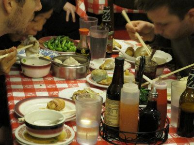 Luna Liu from the World Journal wrote this piece about Chinatown Restaurant Week (March 10, 2012)