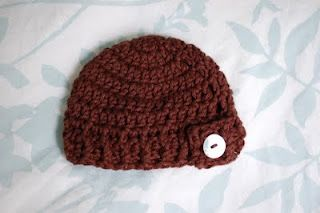 Button Flap Beanie - Premie (easy).  Also available in newborn and 3m sizes.