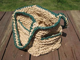 A Group That My Mother Knows Of Is Creating Sleeping Mats For The Homeless Out Of Used Plastic Bags Th Plastic Bag Crochet Plastic Bag Crafts Eco Friendly Diy