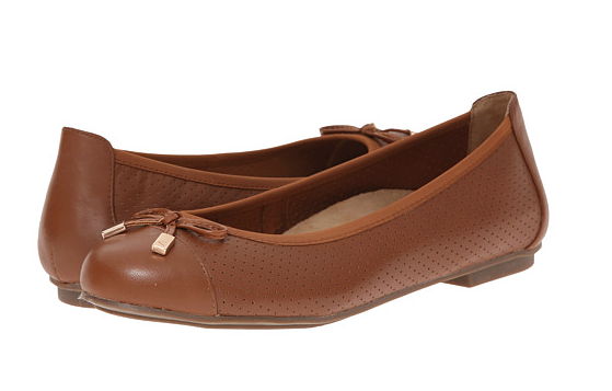 These Cognac Leather Flats Are The Perfect Shade Of Brown To Go With So Many Outfits Their Super Supportive Flat Shoes Women Womens Flats Womens Ballet Flats