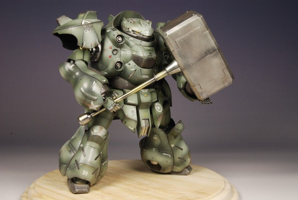 1/100 Gundam Gusion - Customized Build     Modeled by  khachaturian