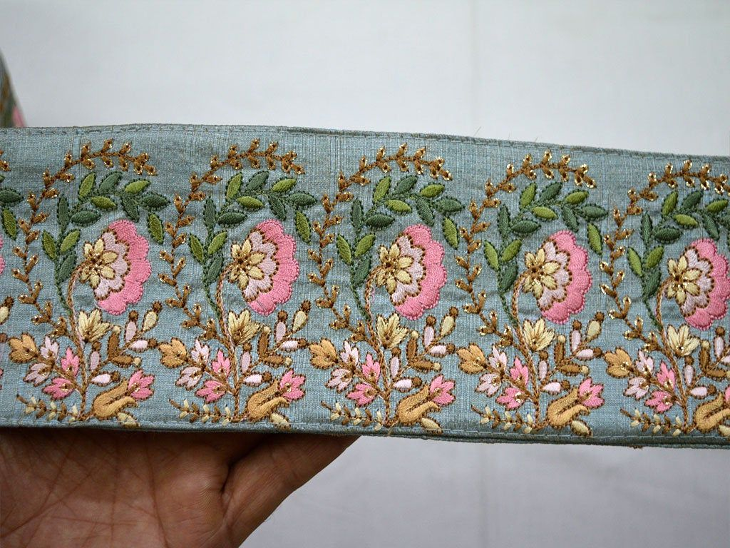 Grey Embroidered Wholesale Trimmings Ribbon Saree Border Fabric Trim By The Yard Indian Sari Border Gold Indian Trim With Images Saree Border Sewing Lace Fabric Trim