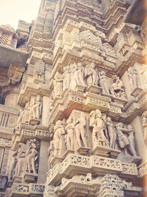 I templi del #Kamasutra a Khajuraho, #India, che ci ha mandato @Pizzo_76 via Twitter..