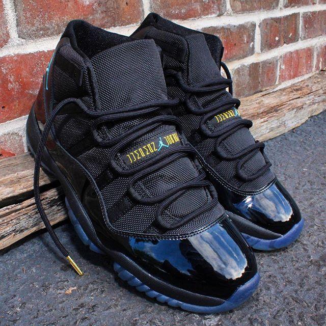 Air Jordan 11 Gamma Bleu Vêtements Usagés