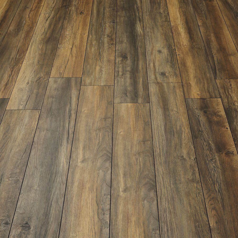 Villa Harbour Oak Laminate Flooring In 2020 Oak Laminate Flooring Oak Laminate Laminate Flooring