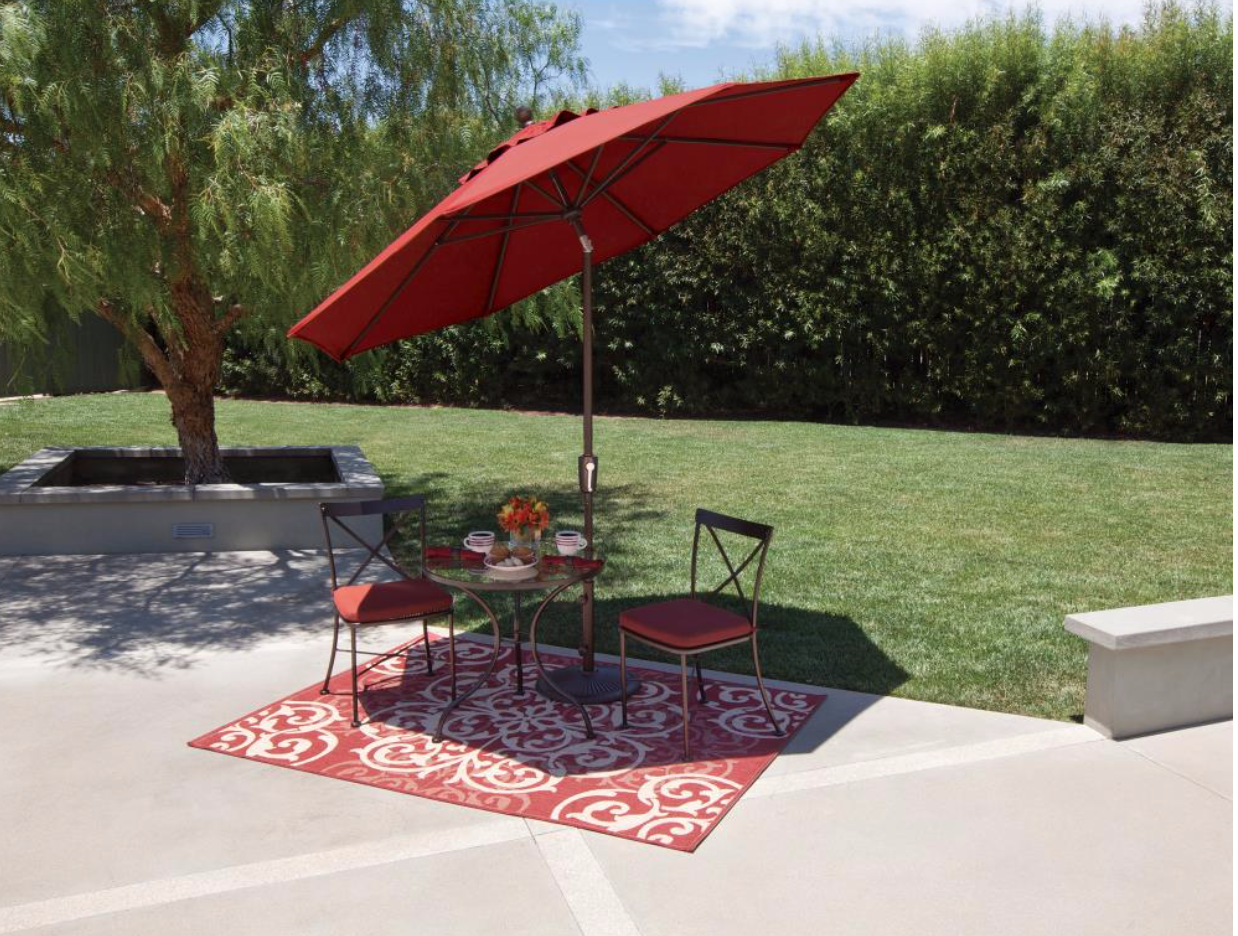 The SimplyShade Catalina 9' octagon umbrella offers a
