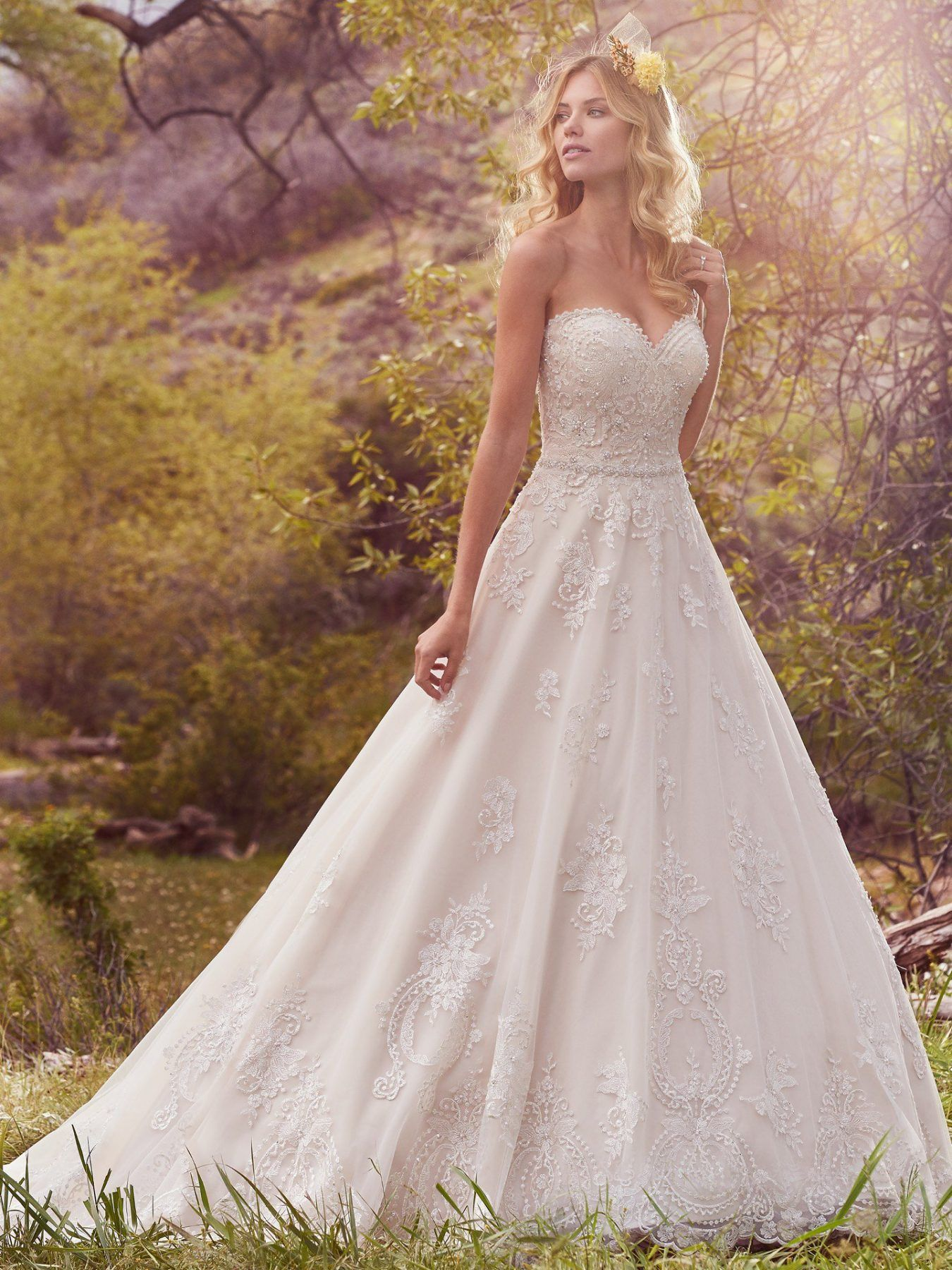 Sweetheart Neckline Beaded Bodice Full Skirt A Line Wedding Dress By Maggie Sottero Image 1 Wedding Dresses Kleinfeld Ball Gowns Wedding Wedding Dresses