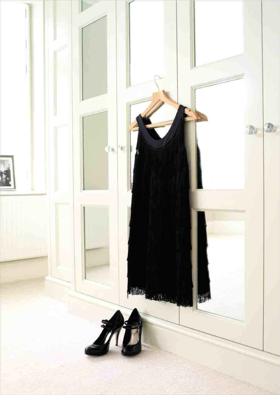 die besten 25 mobiler kleiderschrank ideen auf pinterest kleideraufbewahrung kleiner raum. Black Bedroom Furniture Sets. Home Design Ideas