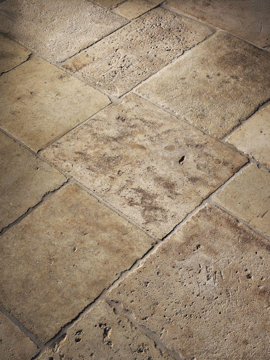Dalle De Bourgogne Rustic Stone Flooring Francois Co Stone Flooring Natural Stone Flooring Limestone Pavers