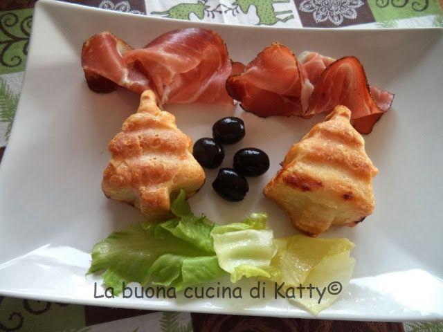 La buona cucina di Katty: Torta rustica ai 4 formaggi.... il versione natalizia