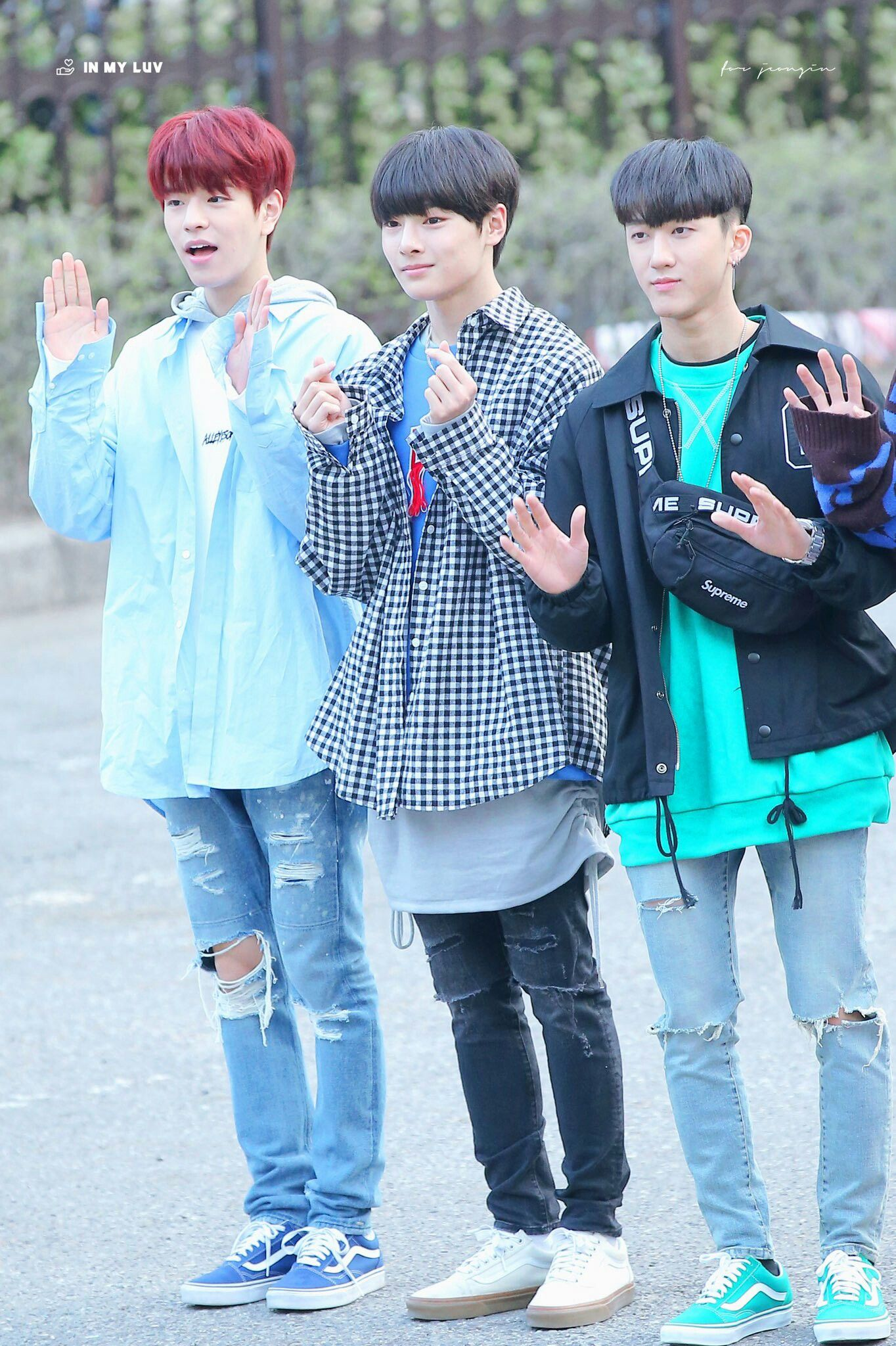 Seungmin Jeongin And Changbin Stray Kids Stray Kids Seungmin Rapper Outfits Kpop Rappers