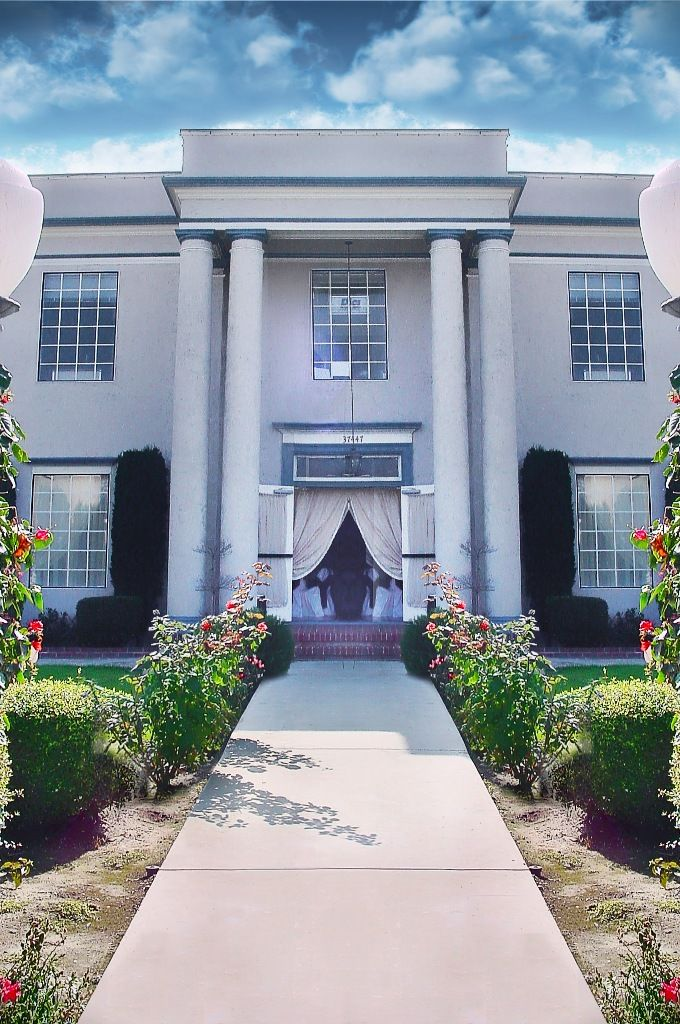 Century House And Gardens Wedding Venue Www Dailyaisle Com
