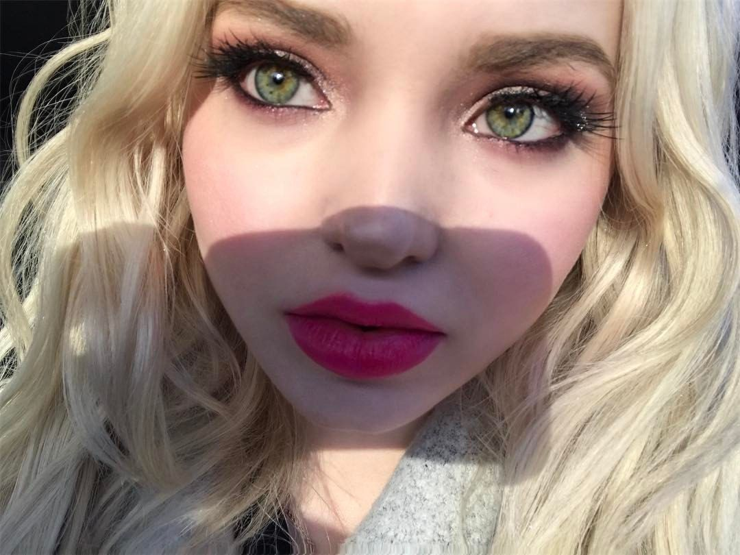 599.6k Likes, 3,926 Comments ♡DOVE♡ (dovecameron) on