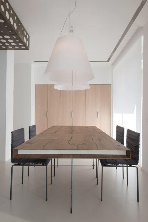 Tavolo Air E Sedie Dangla Lago #interiordesign #minimal #table #livingroom