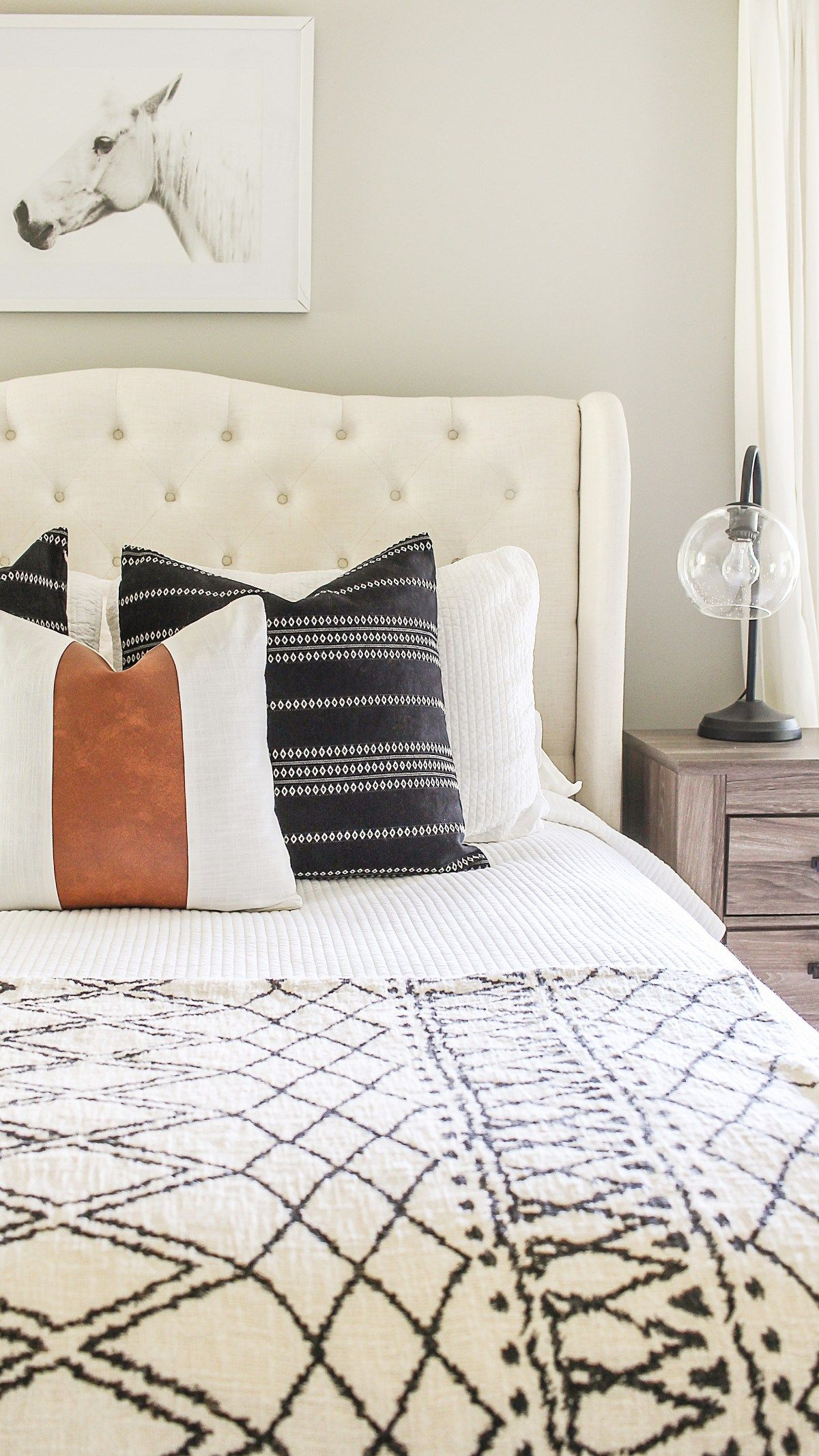 Modern Farmhouse Bedroom Refresh on a Budget #modernfarmhousebedroom