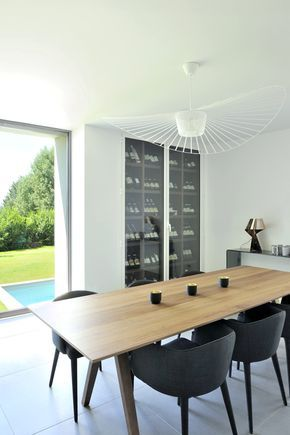 Maison contemporaine dans louest de lyon salle à manger avec table scandinave et