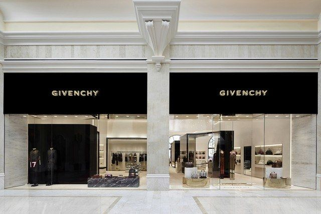 The Luxury Las WynnInterior Givenchy Vegas At Store Store 0wPnkOX8