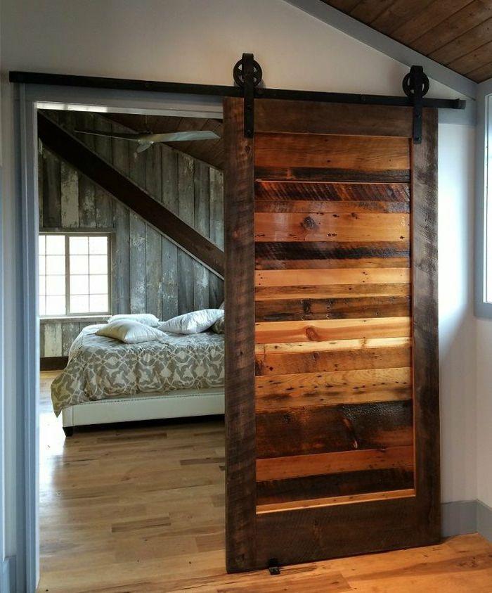 Schlafzimmer-Schiebetür-Holz-vintage-gemütlich Einrichten - Schlafzimmer Rustikal Einrichten