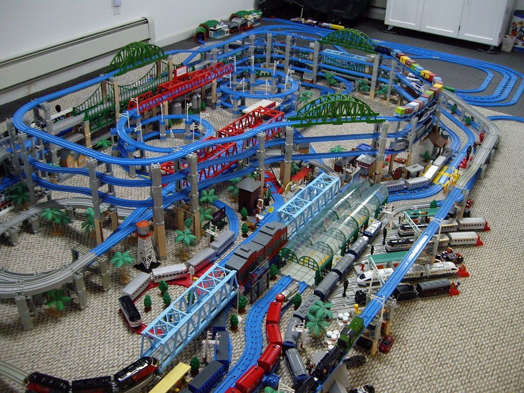 Pin By Joshua Benamoz On Trackmaster Layouts Pinterest