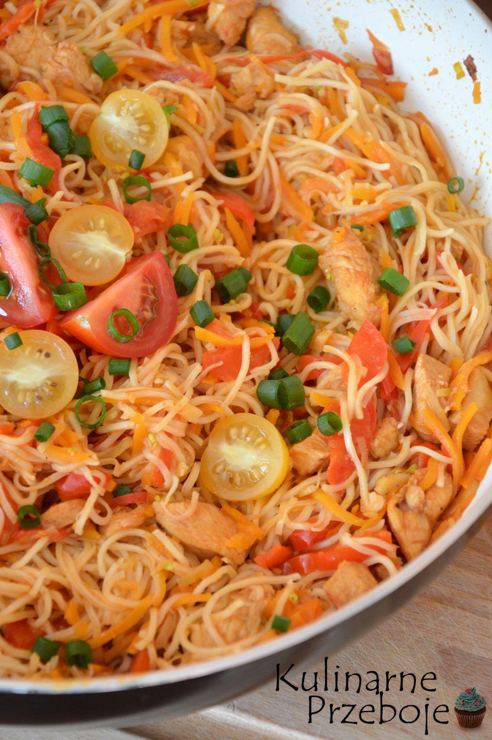 Chinska Patelnia Z Kurczakiem Kulinarneprzeboje Pl Recipe Culinary Recipes Food Inspiration Chow Mein