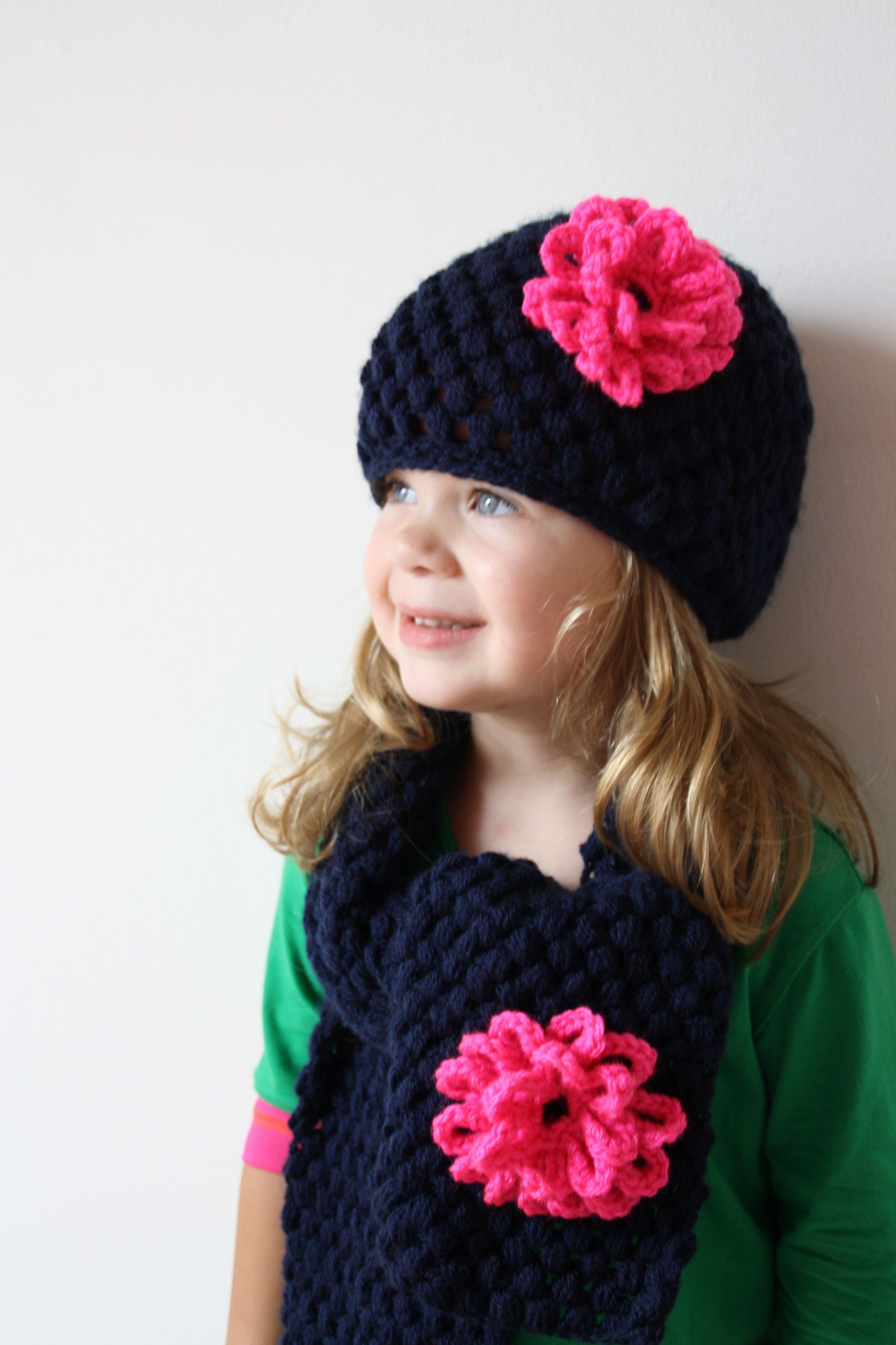 Gehaakte Muts Met Sjaal Blauw Met Felroze Bloem Haken Crochet