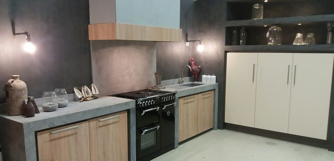 showroom keuken vaassen, bladen geschuurd hardseen, betonlook, met ...