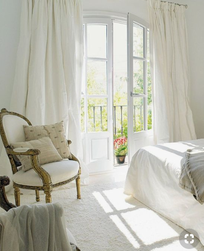 5 Elements To Create A Dreamy White Bedroom Anns Liee In 2020 Home Decor Bedroom Interior Farmhouse Style Bedrooms