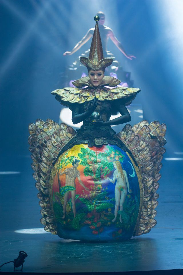 Lucire » Brancott Estate World of Wearable Art Awards' Show 2015 sees Nelson's Peter Wakeman take top honours #wearableart