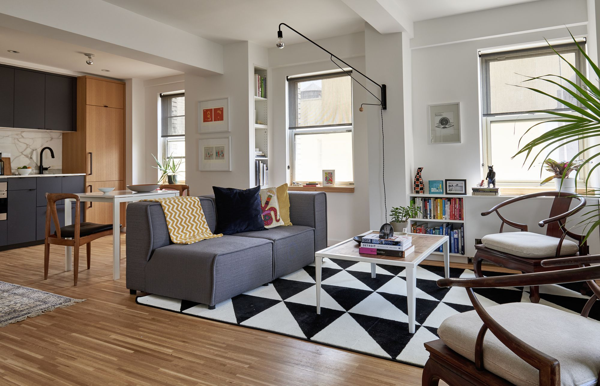 Inside A Designer S 540 Square Foot Brooklyn Apartment Home Design Living Room Home Brooklyn Apartment