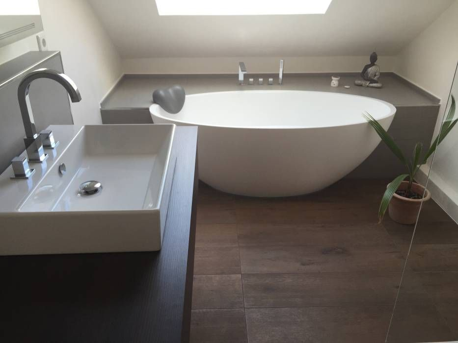 Moderne Badezimmer Bilder Einbau-Dokumentation eines Badeloft