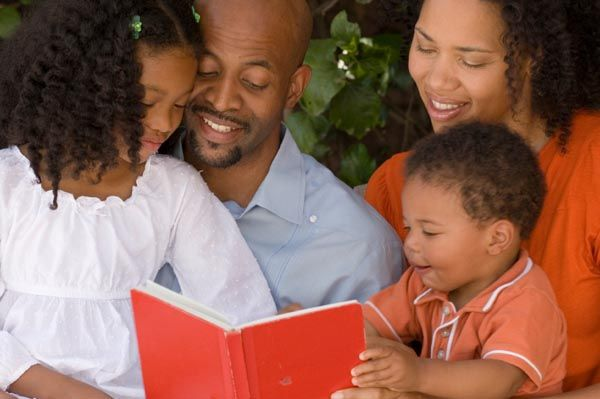 How to create a family book club
