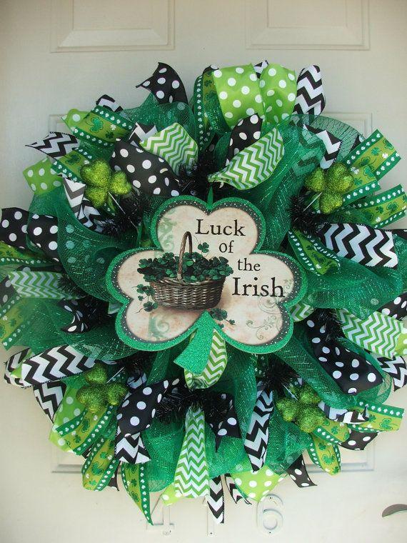 st patricks day shamrock luck of the irish deco mesh wreath santa patricia coronas y tablero. Black Bedroom Furniture Sets. Home Design Ideas