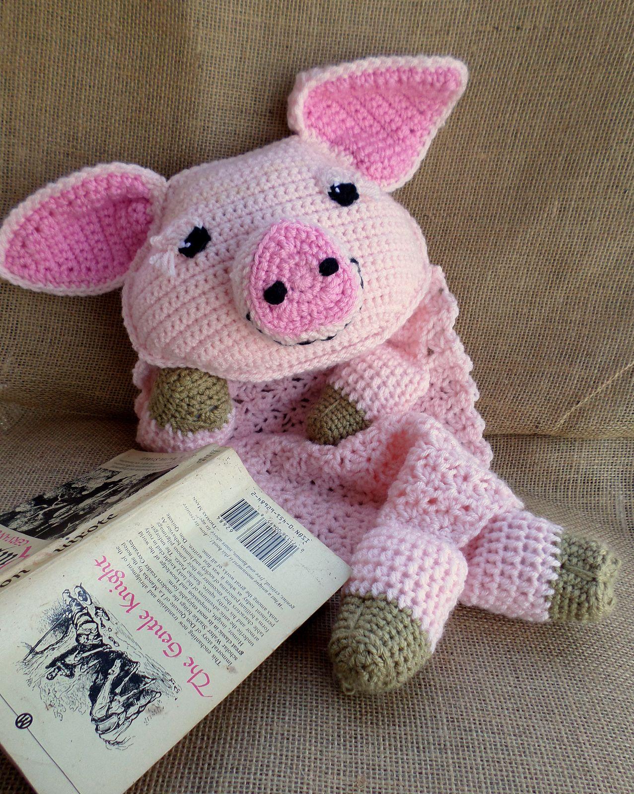 Rosie the Pig Blankie pattern by Jenna Wingate | Schweinchen und Häkeln