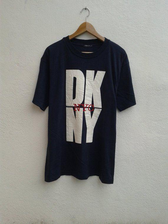 DKNY NYC Donna Karan New York Big Logo Graphic Streetwear Swag Vintage 90s T -Shirt b184fa79043