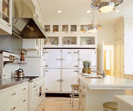 Stainless Steel Vs White Appliances White Kitchen Rustic Antique White Kitchen White Kitchen Appliances