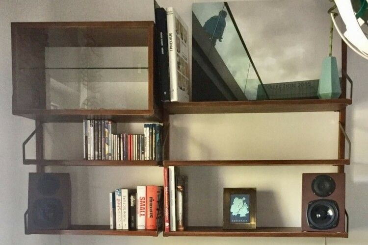 SvalnÄs wall mounted shelves ala the royal system ikea hacks