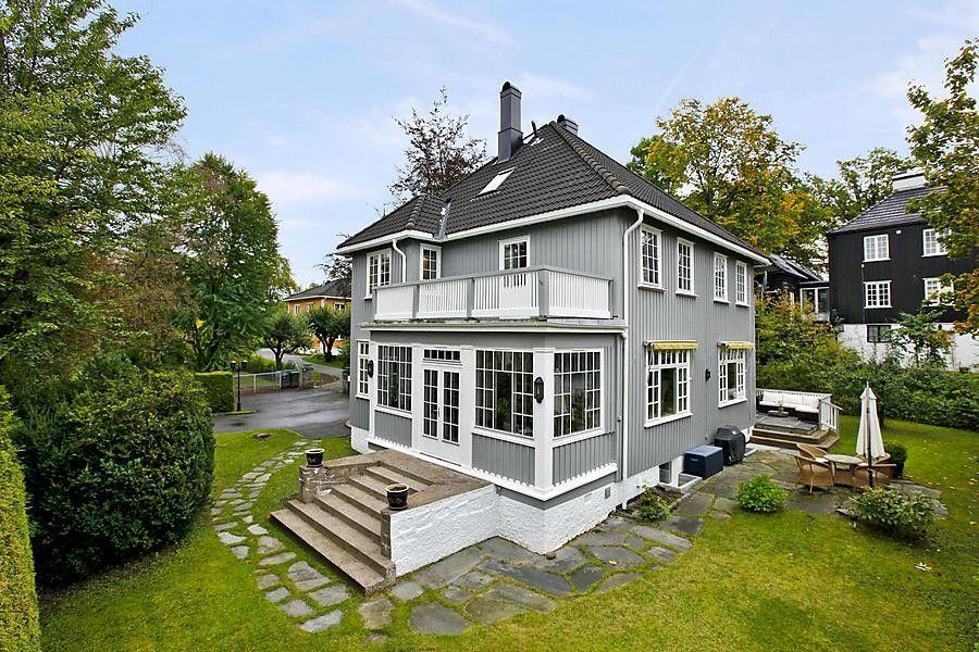 Best Porch Grey Siding White Trim Black Tile Roof Black 400 x 300