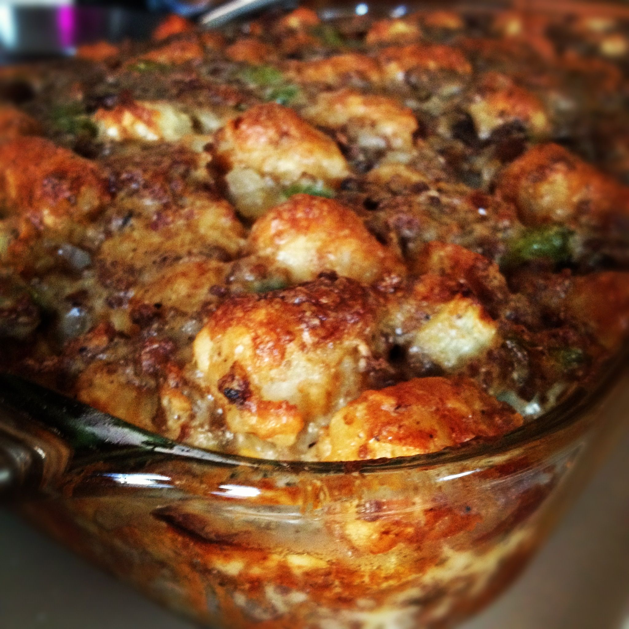 Tater Tot Casserole with ground beef, mushrooms, green ...