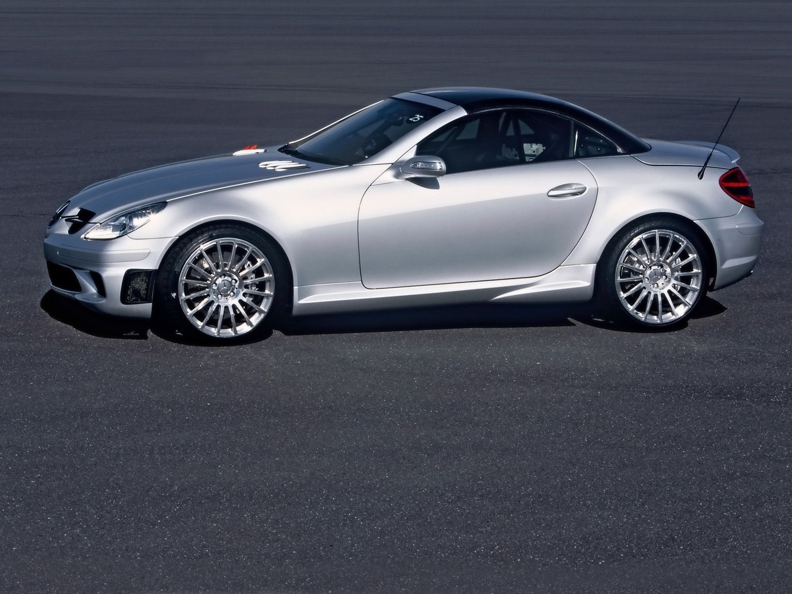 Mercedes Benz Slk 55 Amg Gained Recognition And Good Reviews Of