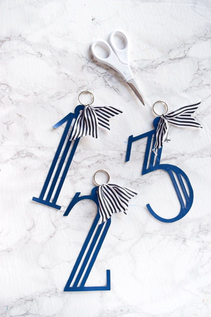 Monogramed u numbered luggage diy u pmq for two cricut ideas from