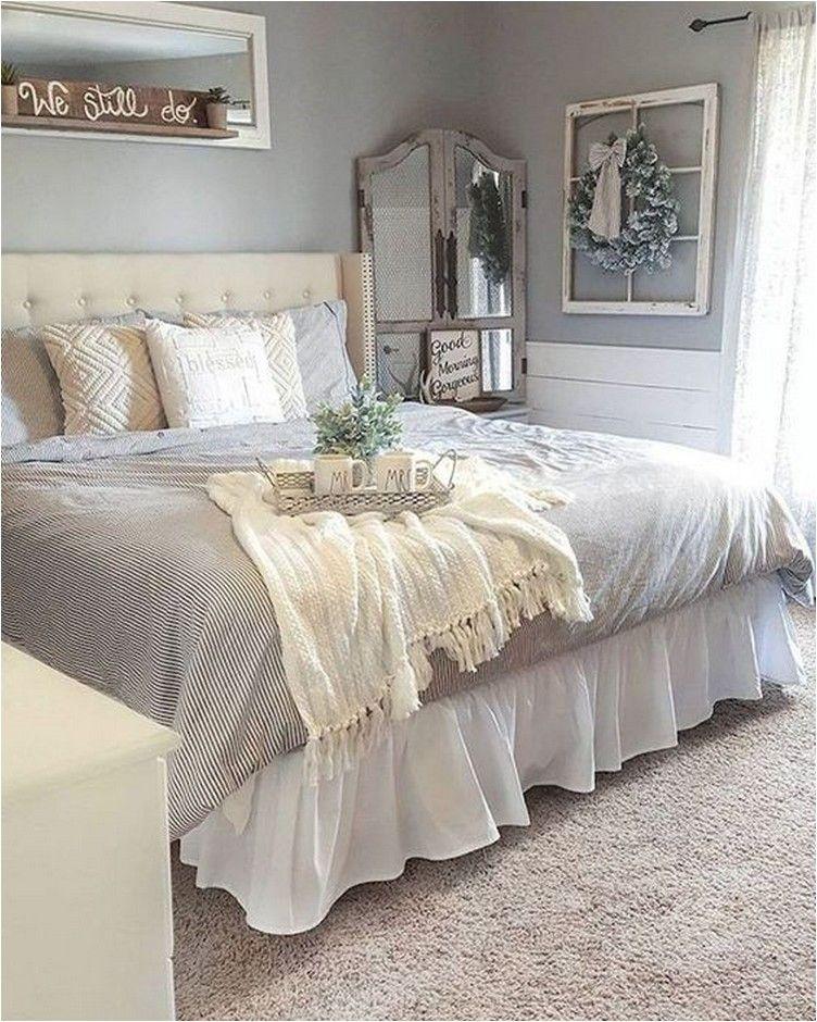 60 Rustic Farmhouse Style Master Bedroom Ideas 53