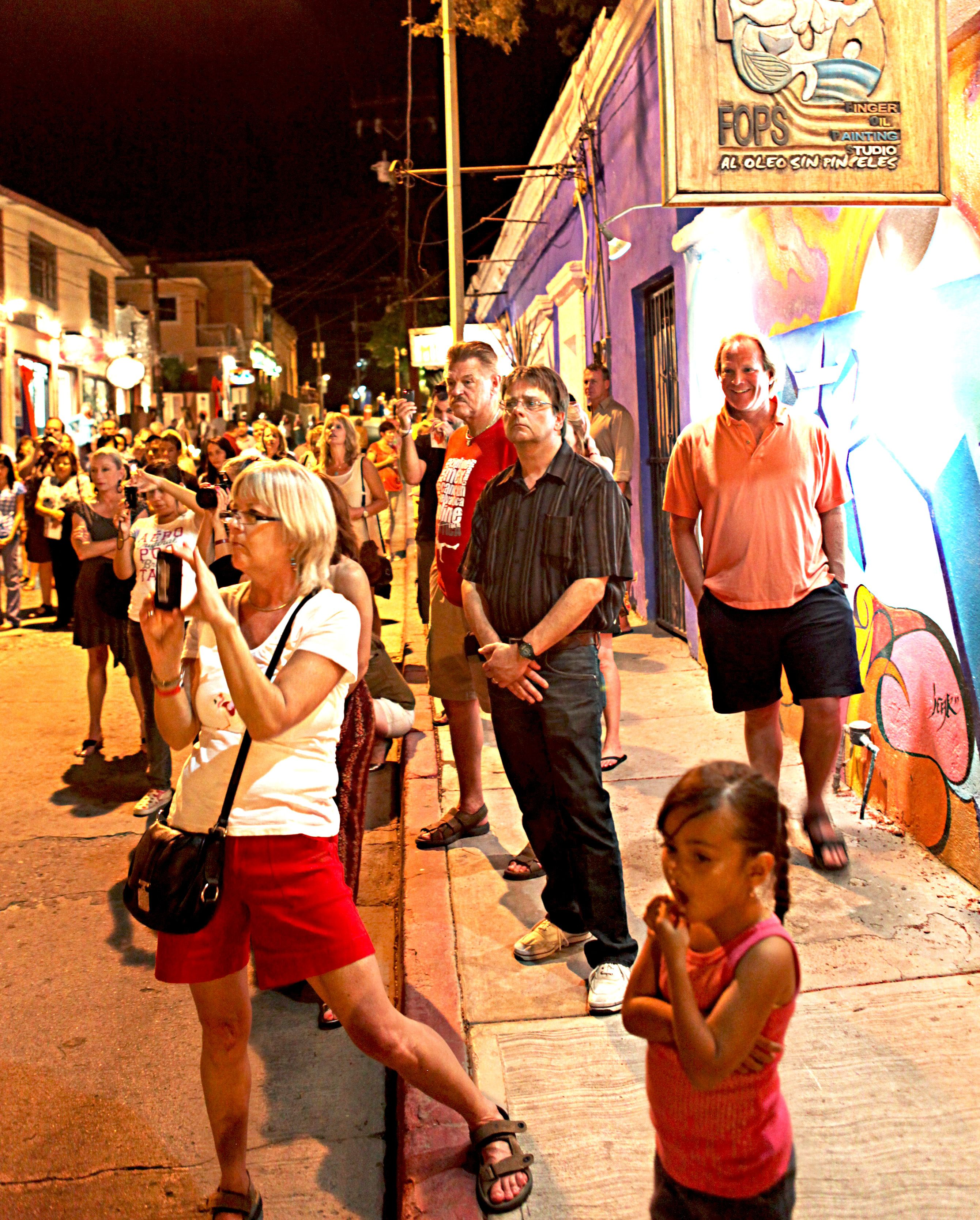 art walk Artwalk ventura is weekend festival that highlights both the local and  international arts communities it is a series of venues, pop-up pods® container  galleries,.