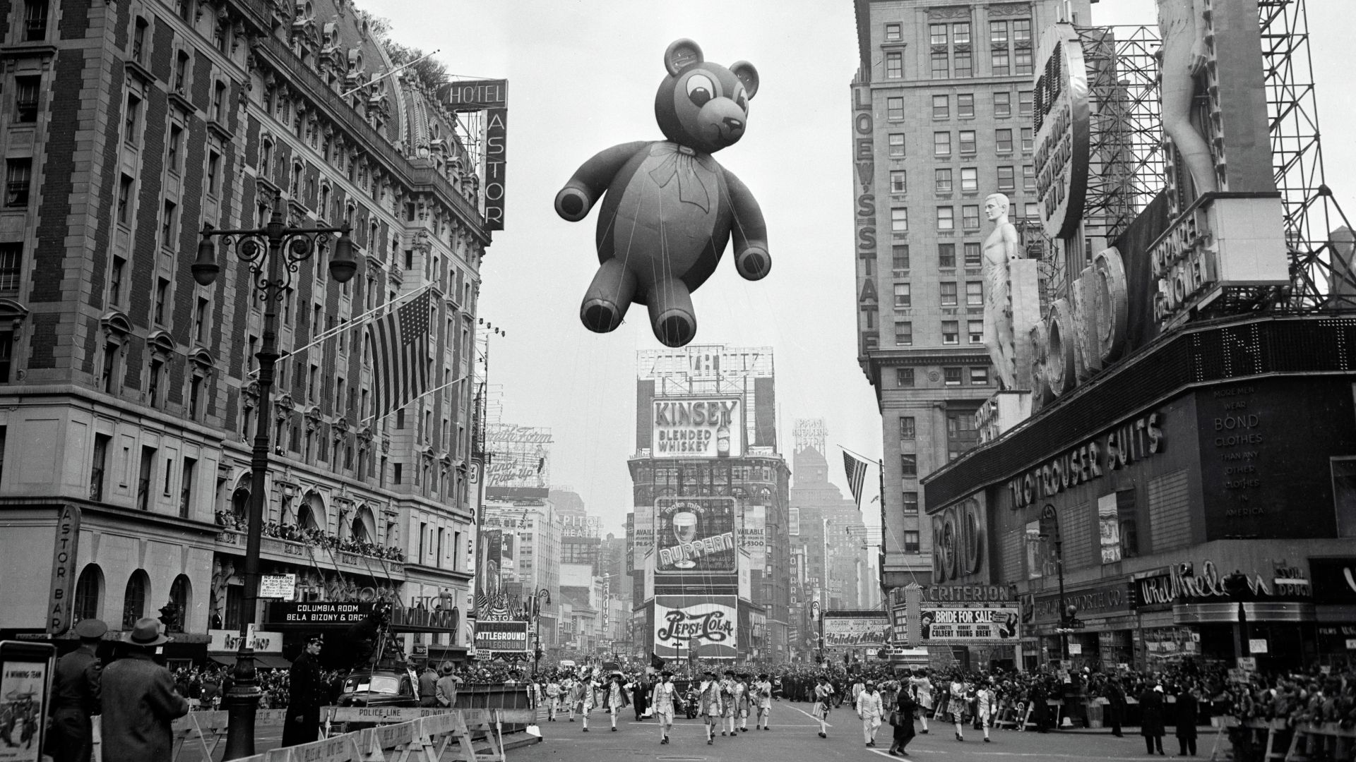 Quirkey Vintage Photos Of The Macy S Thanksgiving Day Parade Credit Bet Macy S Thanksgiving Day Parade Macy S Thanksgiving Day Parade Thanksgiving Day Parade