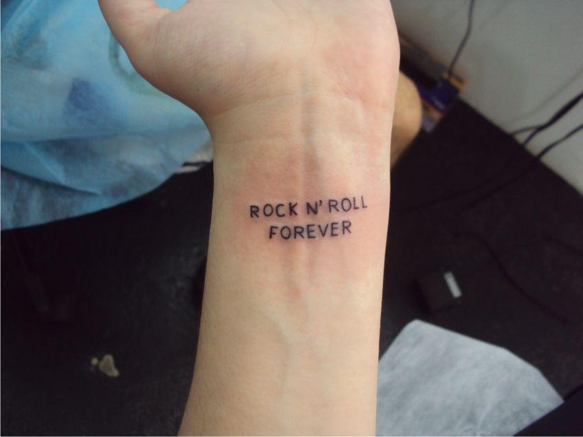 Tatuagem escrita frases rock pulso tattoo writing tatuagem escrita frases rock pulso tattoo writing quotes altavistaventures Choice Image