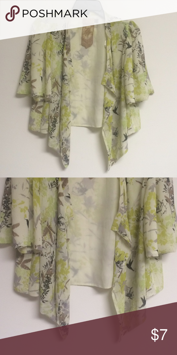 Patterned top Excellent condition! Purchased in a boutique Twelve by twelve Tops