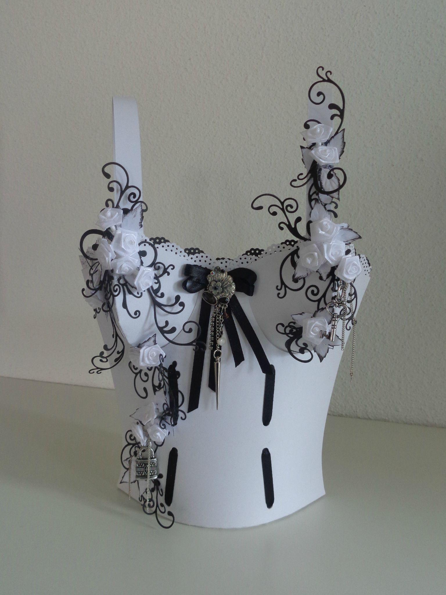 centre de table pour les mari s les cr ations d co de marsouille corset panier et cartonnage. Black Bedroom Furniture Sets. Home Design Ideas