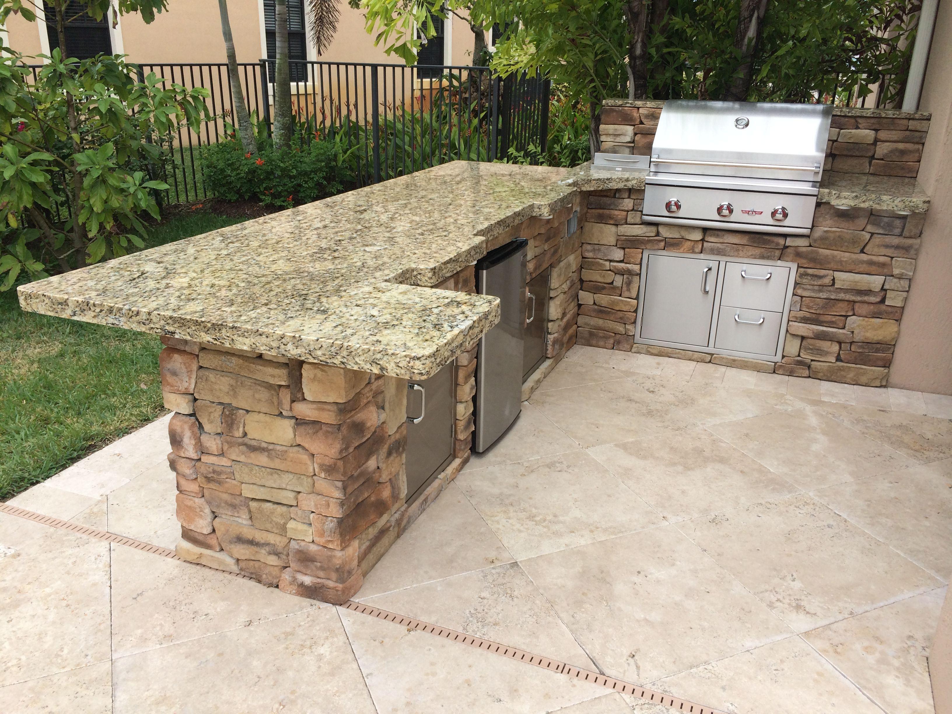 Custom Delta Heat Outdoor Kitchen With Refrigerator Rock Finish And Granite Top Outdoor Kitchen Grill Outdoor Kitchen Kitchen Grill