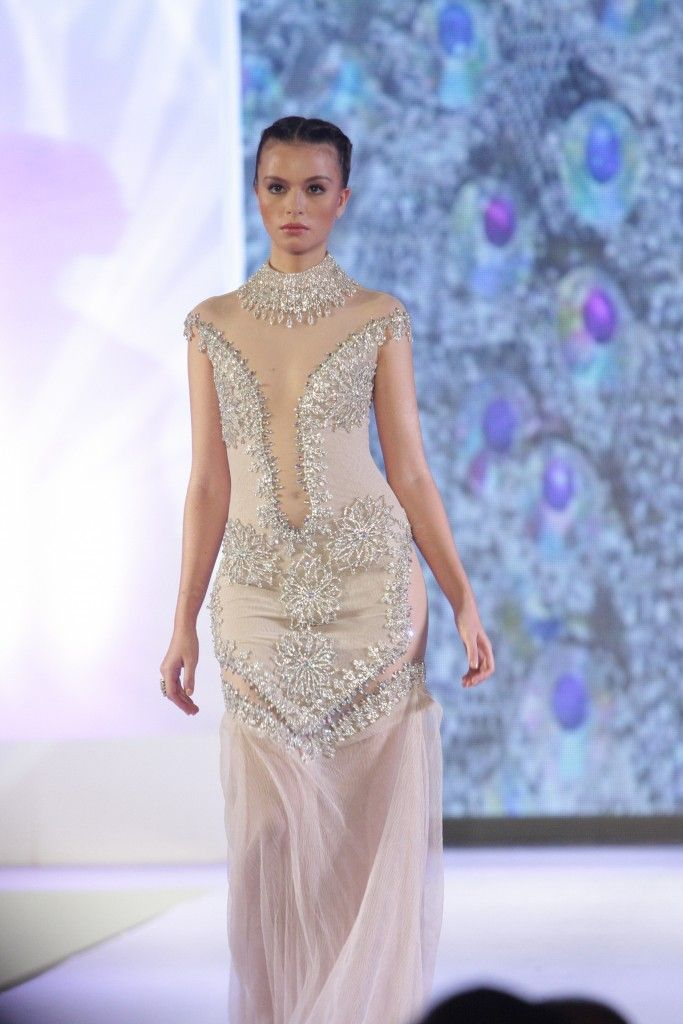 Gowns ‹ Francis Libiran | The bride... | Pinterest | Gowns